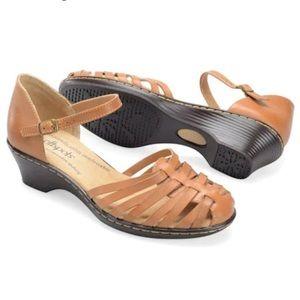 Softspots Tatianna Closed Toe Huarache Sandal